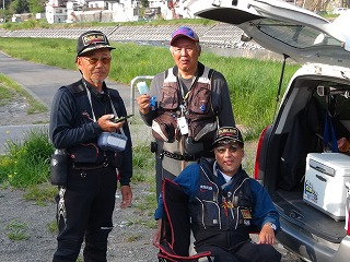 強風の気仙川でヤマメ釣り!